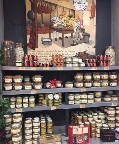 udstilling med lokale delikatesser