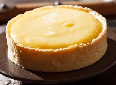Tærtebund fyldt med citroncreme